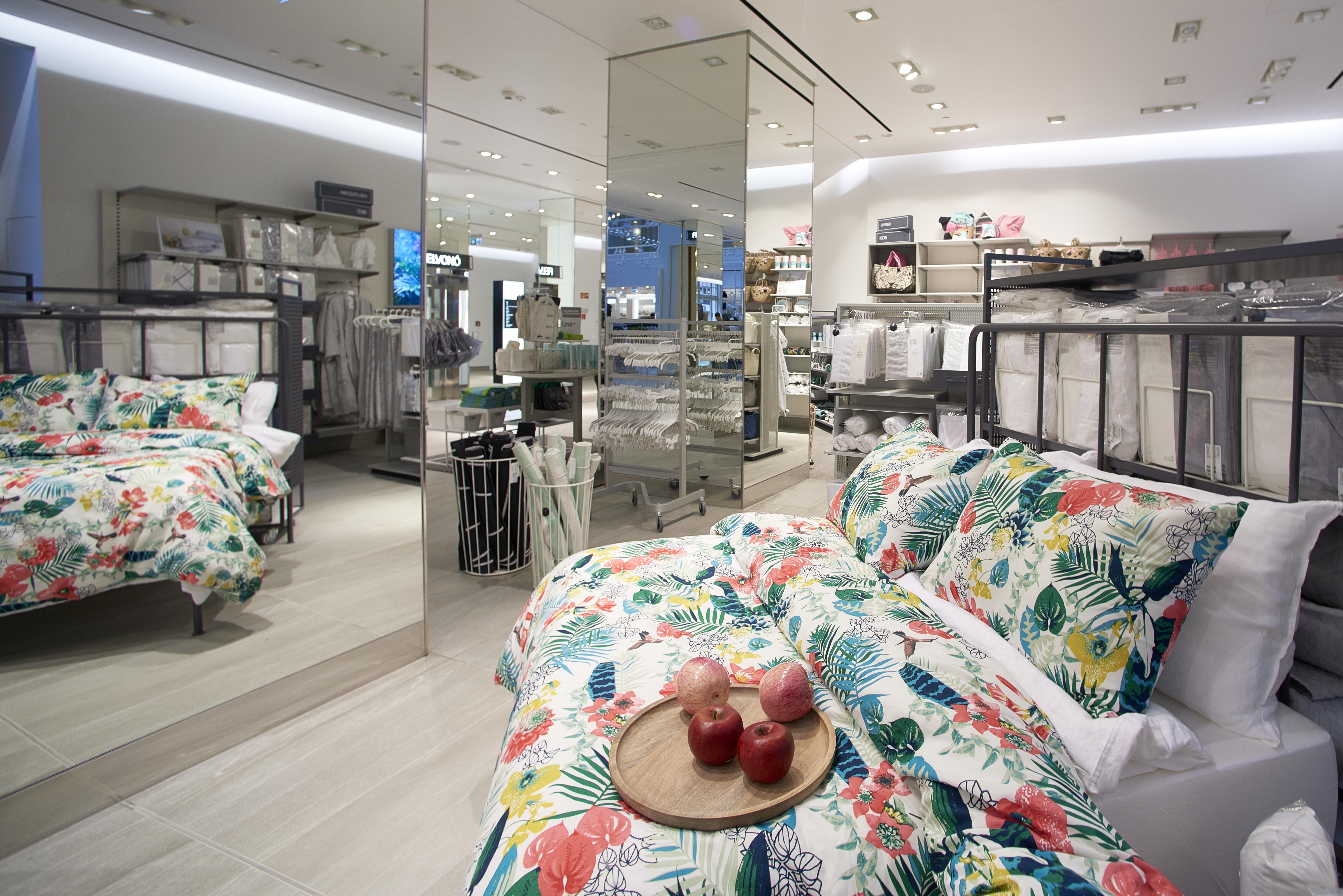 26._hm_flagship_store_home_interior_vaci1_budapest_hungary