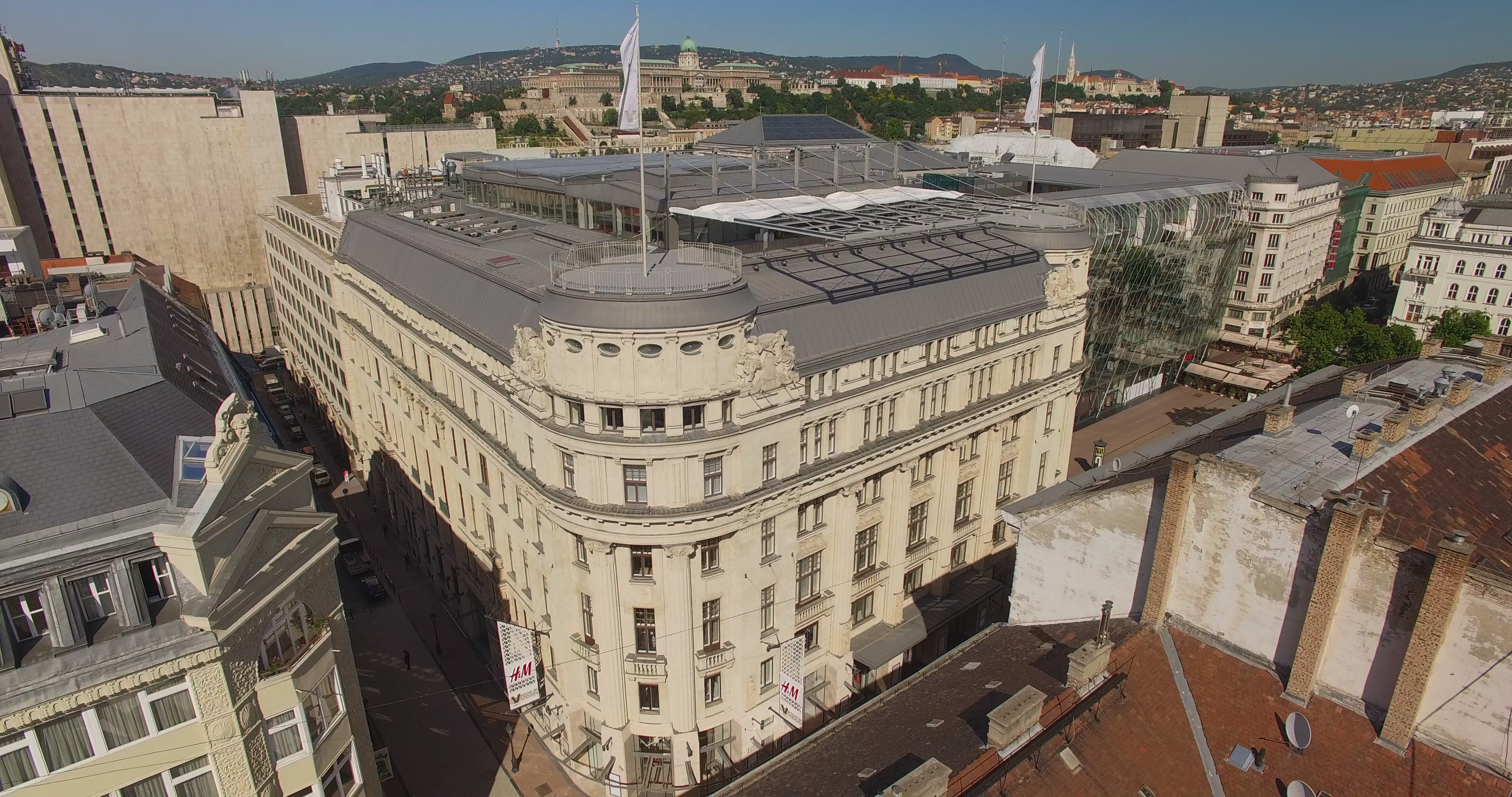32._aerial_photo_of_the_building_vaci1_budapest_hungary