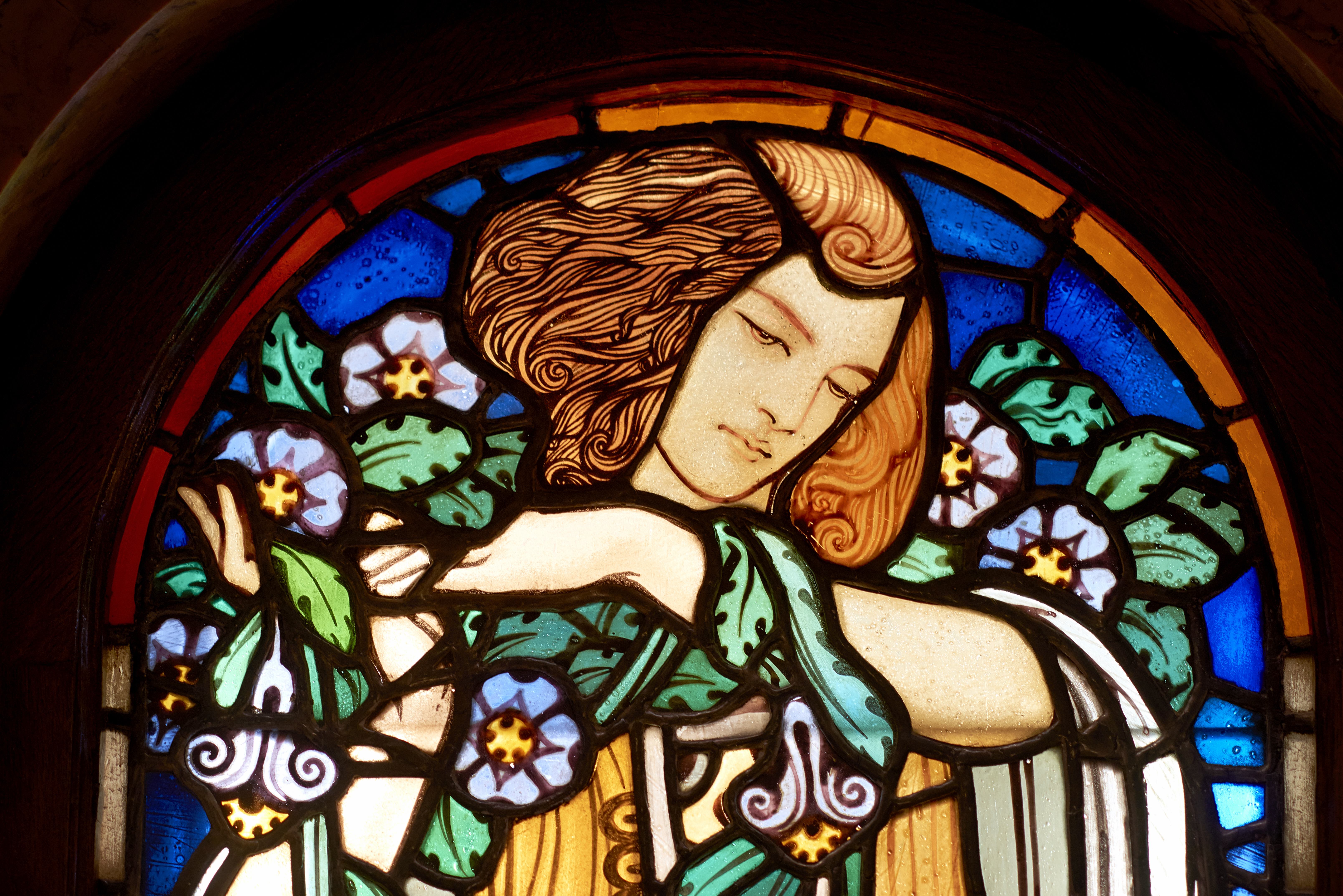 8._stained_glass_art_deco_window_detail_by_glass_artist_miksa_roth_2_vaci1_budapest_hungary