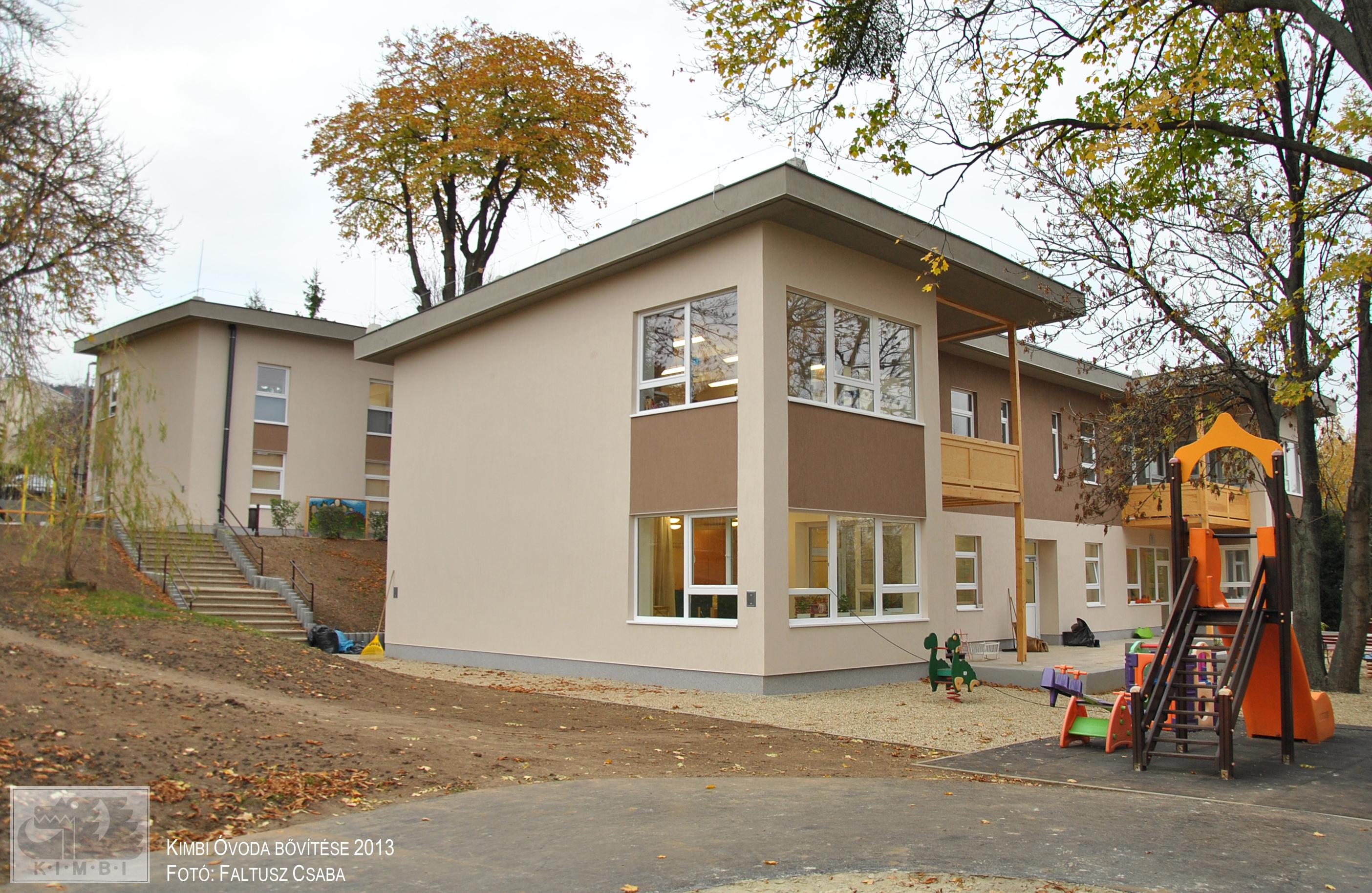 bovitett_ovoda_udvar_felol